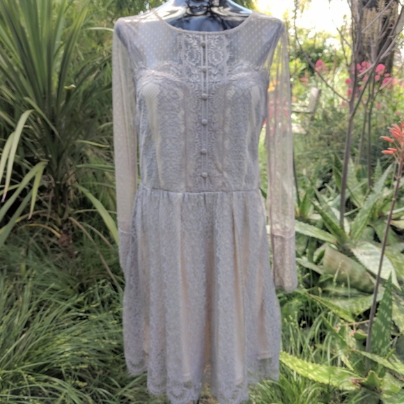 Soieblu Dresses & Skirts - Soieblu Grey Lace Dress sz M